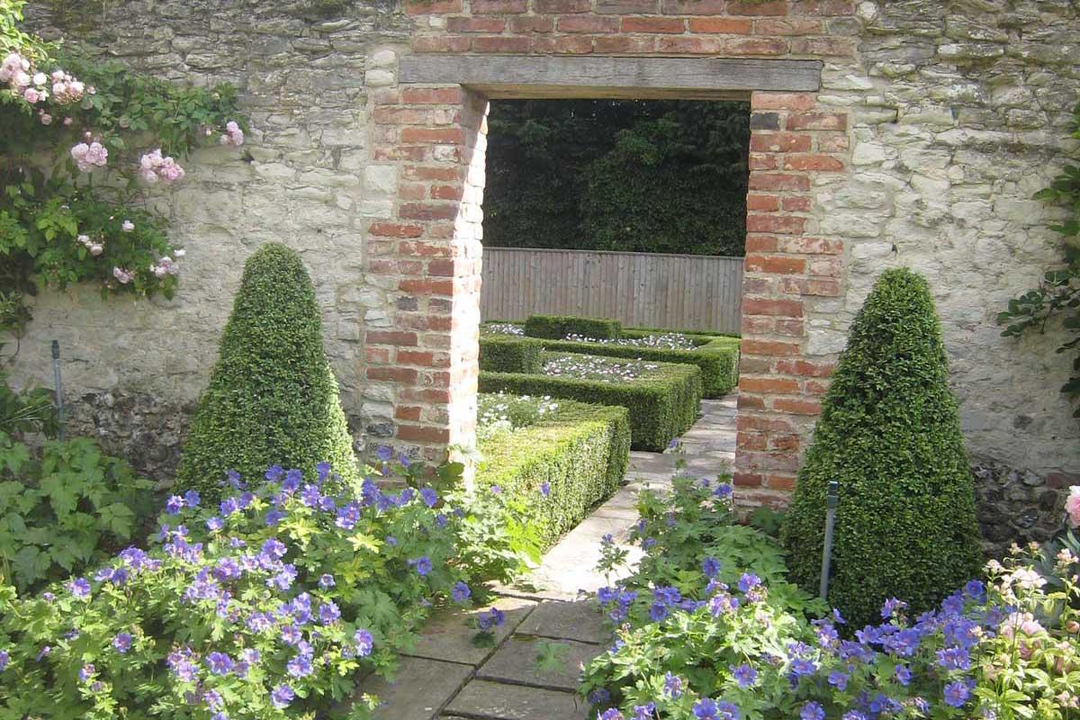 Astounding Manor House Garden Design Co Download Free Architecture Designs Rallybritishbridgeorg