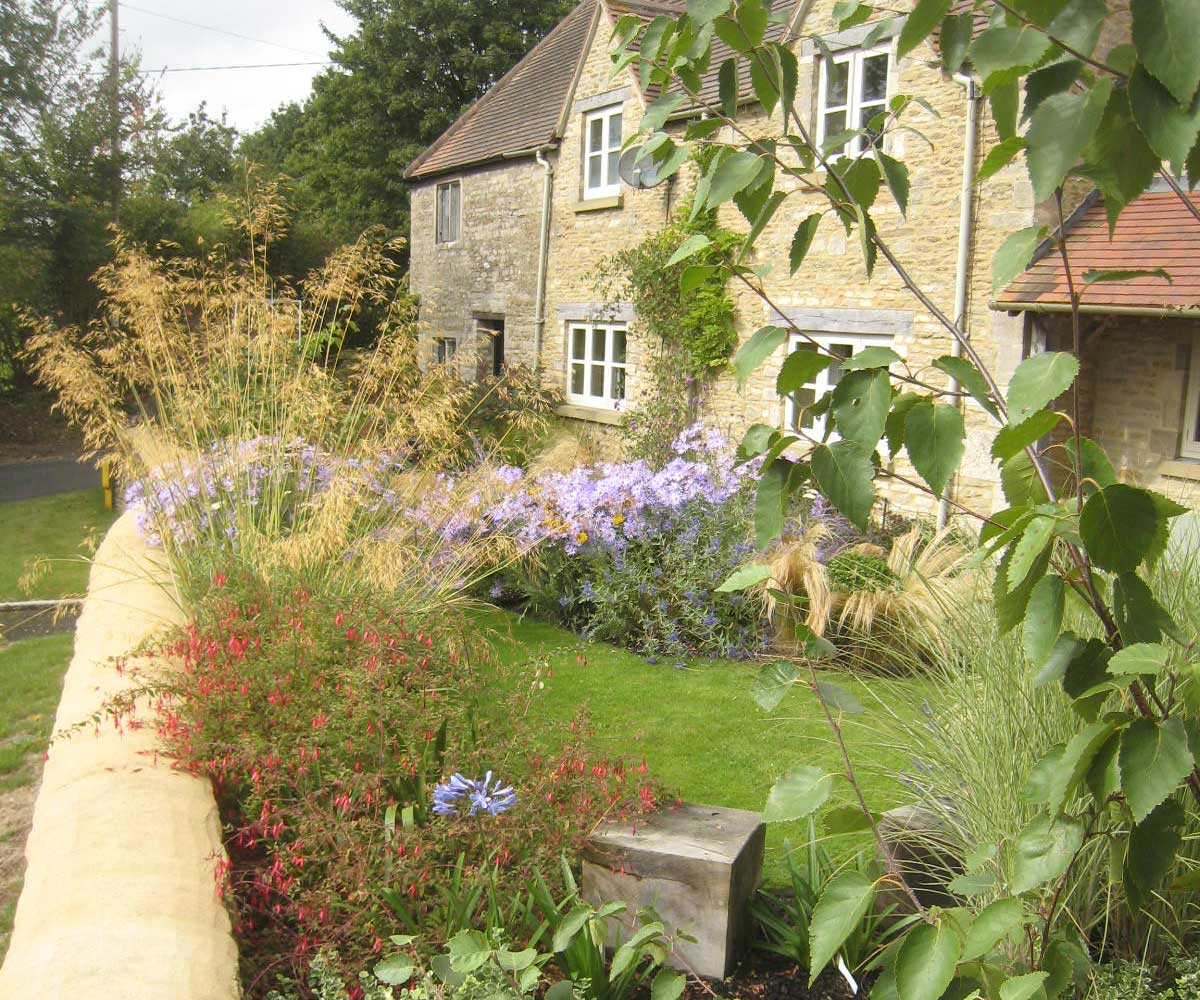 Cotswold cottage garden garden design co for Cottage garden design